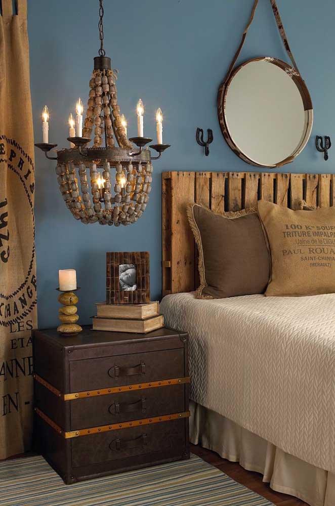 Cabeceira de pallet para um quarto que esbanja estilo e sofisticação