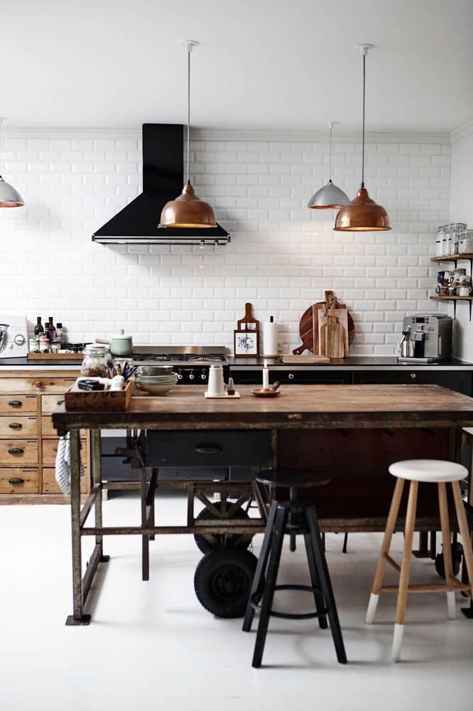 Uma cozinha vintage de cores sóbrias para encher o coração!