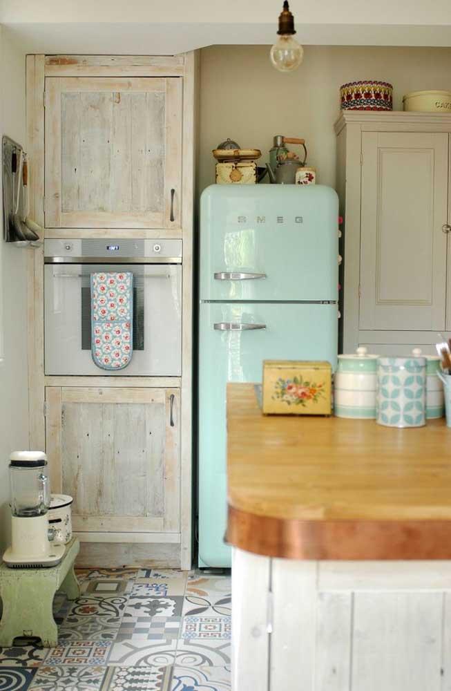 Rústica e vintage: uma cozinha para quem busca conforto e aconchego