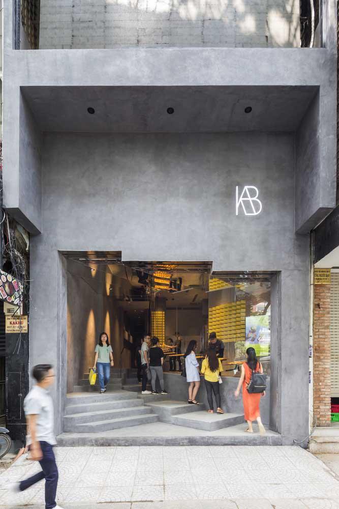 Quer uma fachada moderna e barata de fazer? Então aposte no cimento queimado