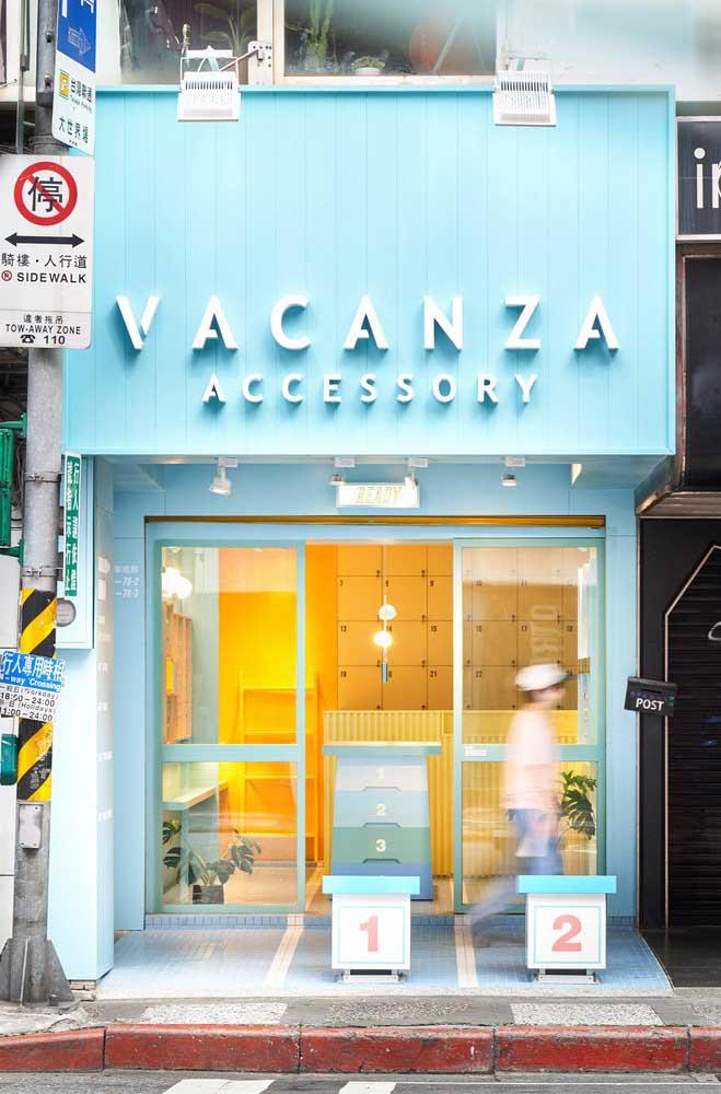 Que tal um pouco mais de cor e vida para a fachada comercial? Lembre-se apenas que as cores devem estar de acordo com a identidade da marca