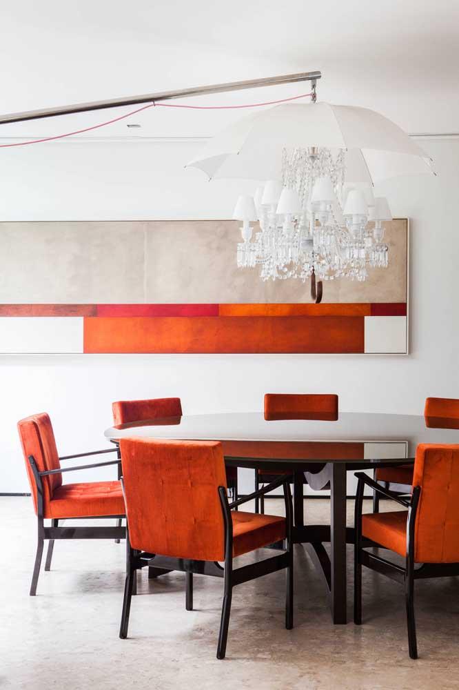 Você sabia que é possível incrementar o lustre da sala de jantar?