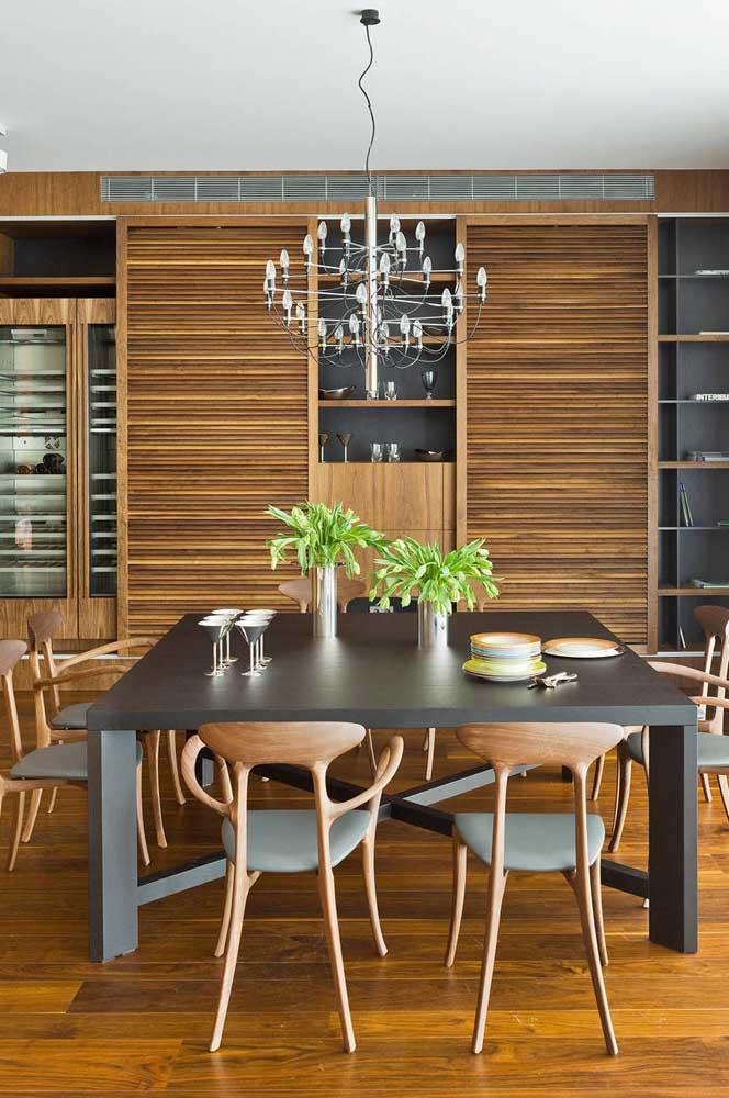 O lustre deve ser escolhido conforme o formato da mesa da sala de jantar.