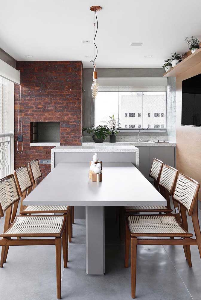 Área gourmet pequena e simples, mas com tudo o que você precisa