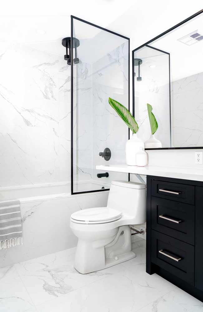 Mas se a intenção é apostar em uma decoração mais moderna, faça a combinação com as cores branco e preto.