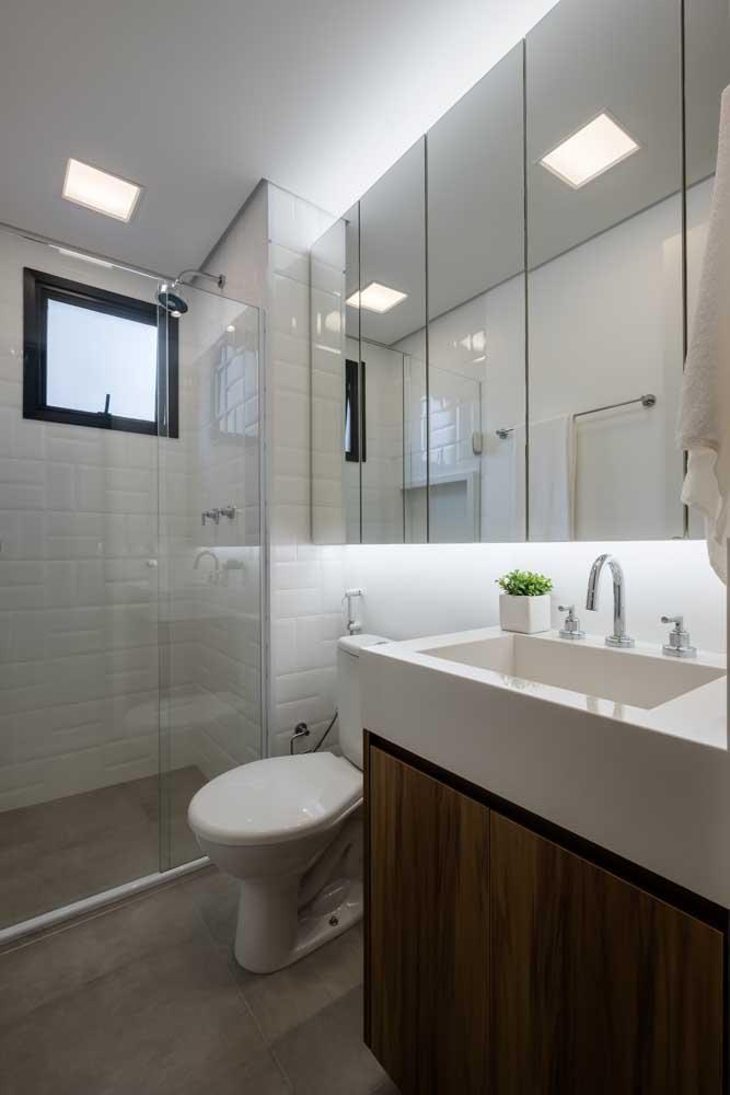 Já viu um banheiro mais simples do que esse?