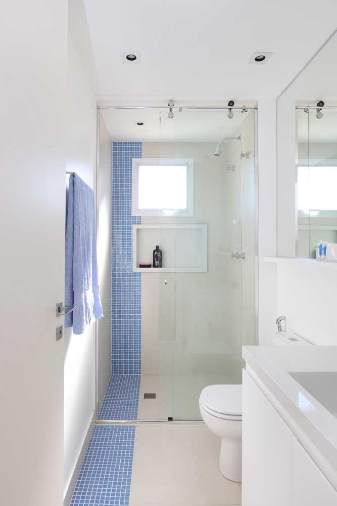 A pastilha de vidro pode ser usado em uma pequena área do banheiro.