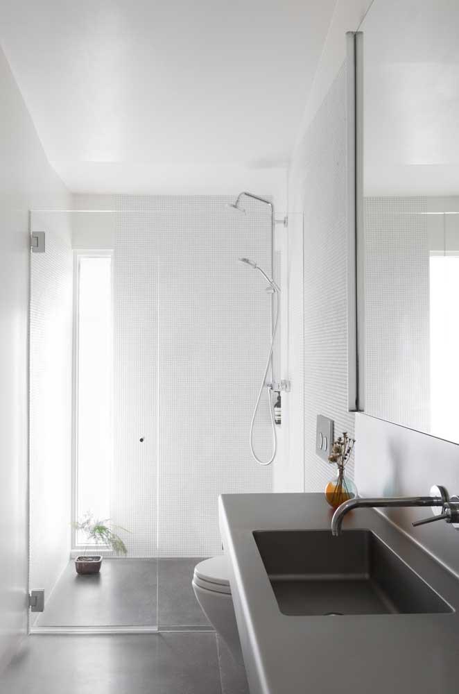 A simplicidade está muito relacionada com ambientes clean e sem muitos detalhes.