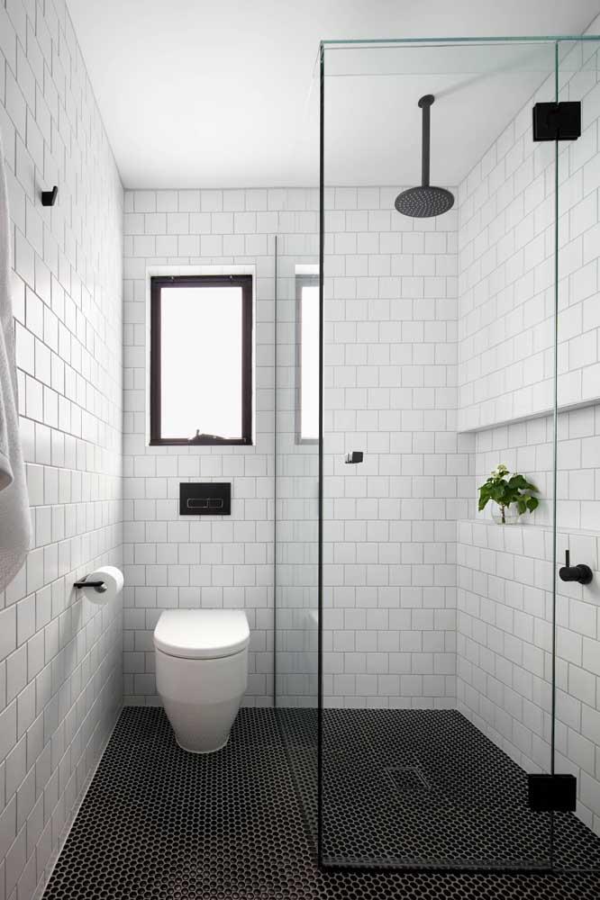 Olha que piso diferente para inserir no banheiro simples.
