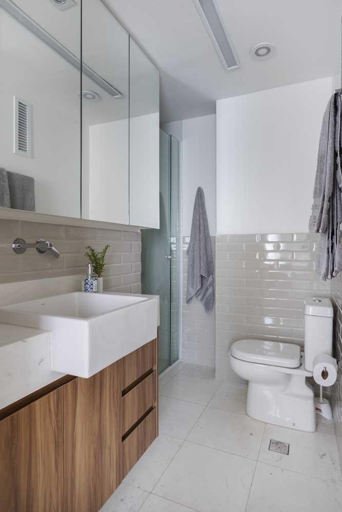 Veja que modelo de banheiro simples para você se inspirar na hora de fazer o seu.