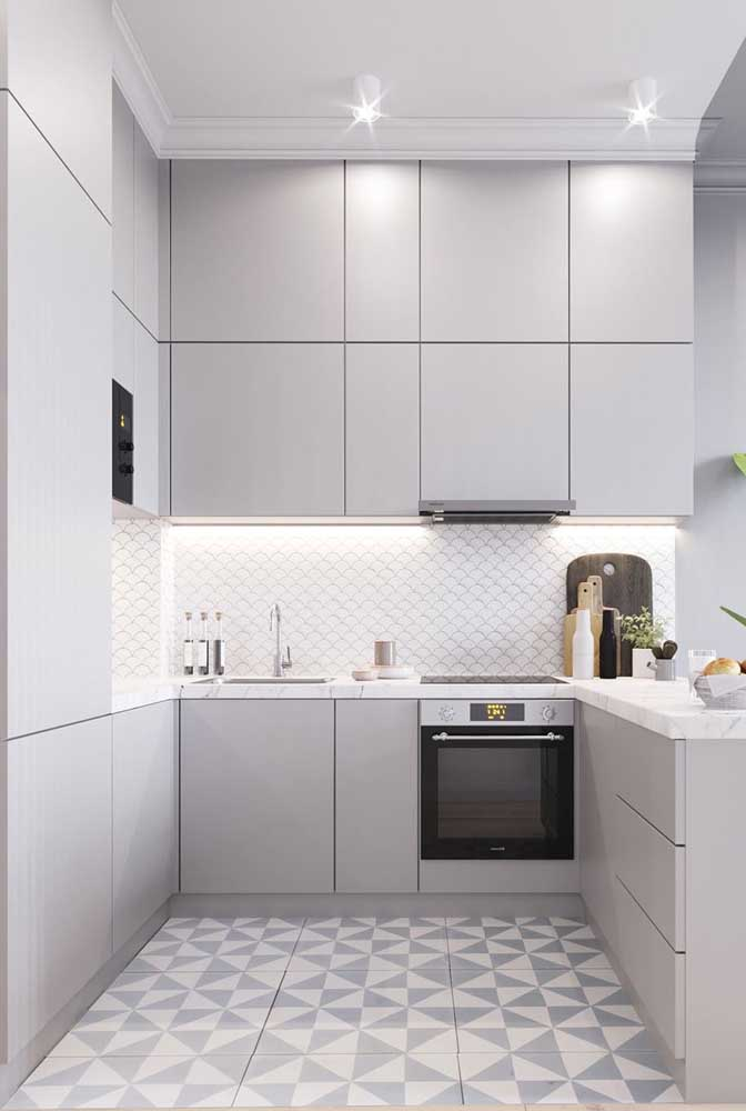 Cozinha em U cinza: moderna e neutra
