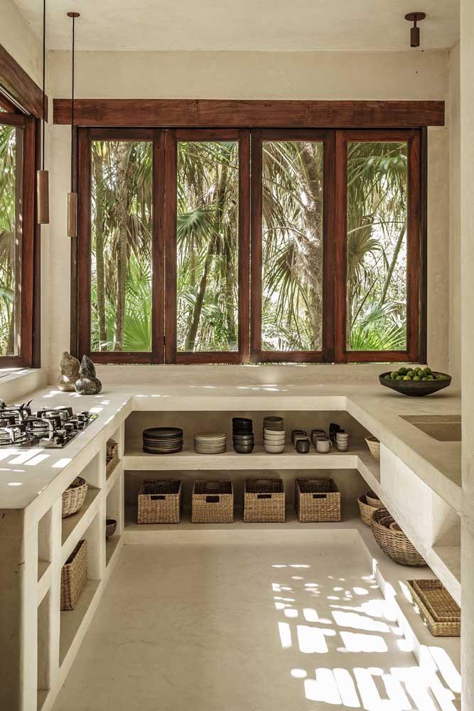 Simplicidade e elegância de mãos dadas nesse projeto de cozinha em U