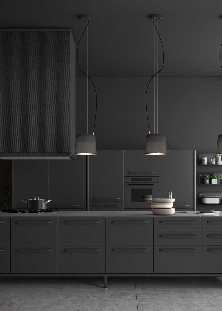 E o que acha de uma cozinha monocromática preta?