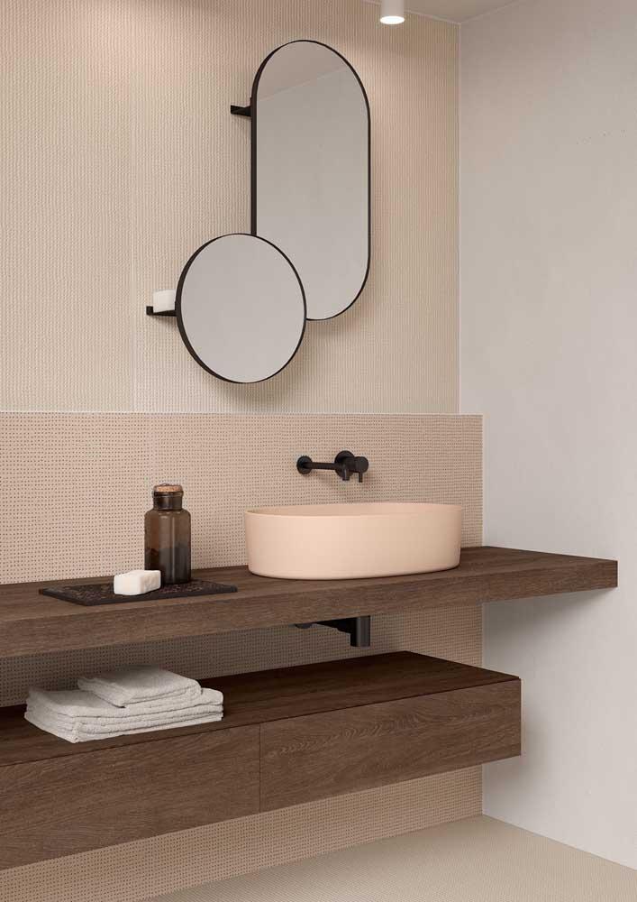 Dupla de espelhos ovais para o banheiro