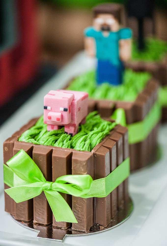Use as próprias guloseimas para fazer os personagens do minecraft. Você pode usá-lo na decoração dos doces.
