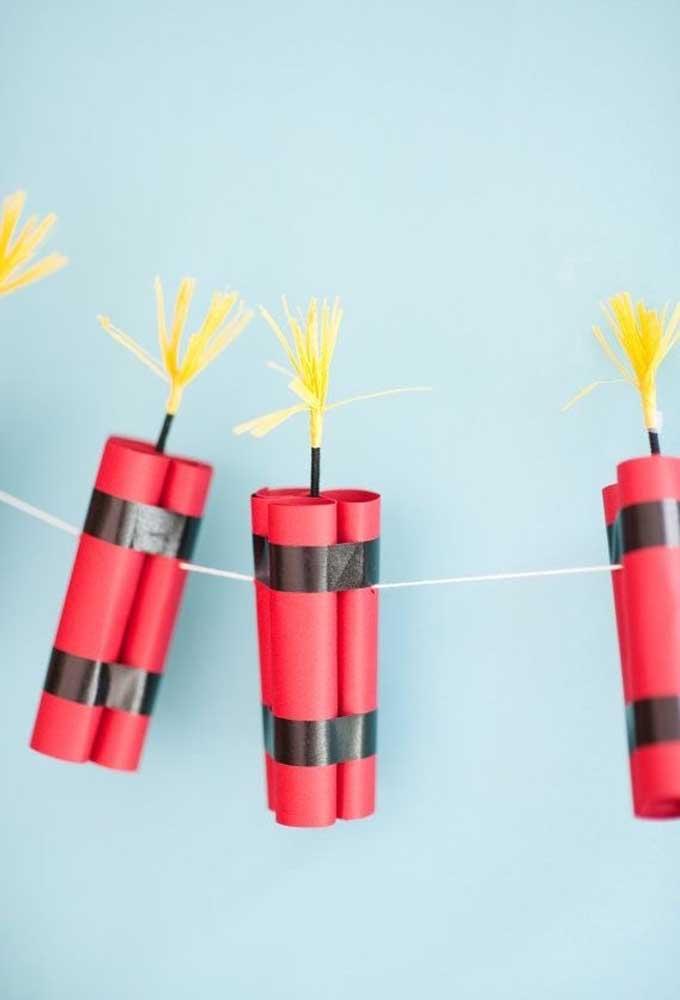 Quer aprender a fazer esses fogos? Basta usar papel, fita adesiva e muita criatividade.