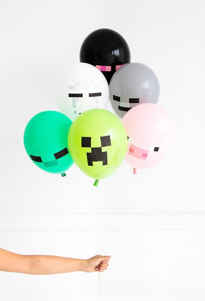 Olha que original esses balões com a figura do jogo minecraft. São perfeitos para decorar o aniversário.