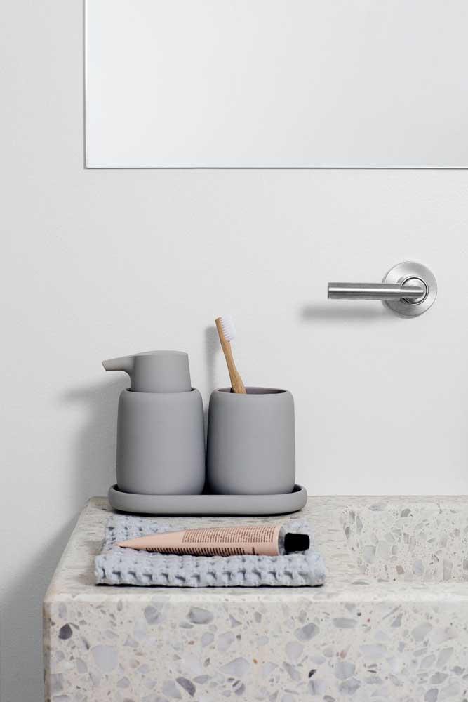 Granilite cinza na bancada do banheiro: um clássico