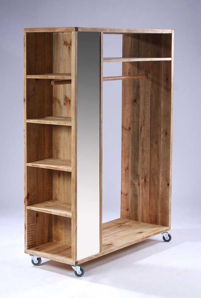 Guarda roupa de pallet pequeno, mas bem estruturado, com nichos, arara, rodinhas e até espelho