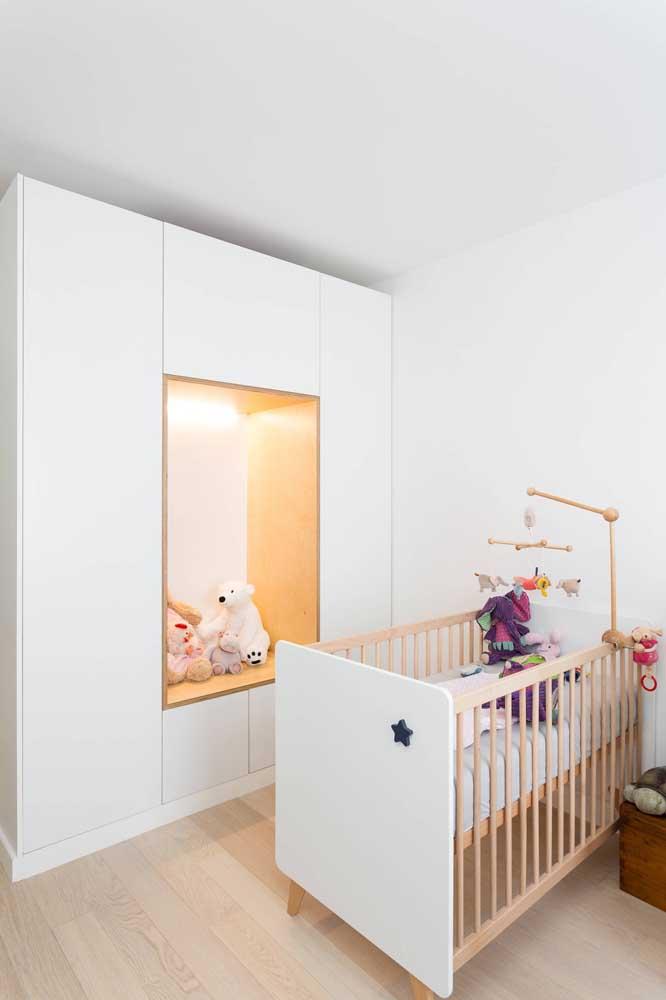 Um nicho de tamanho gigante para acomodar o pequeno morador do quarto