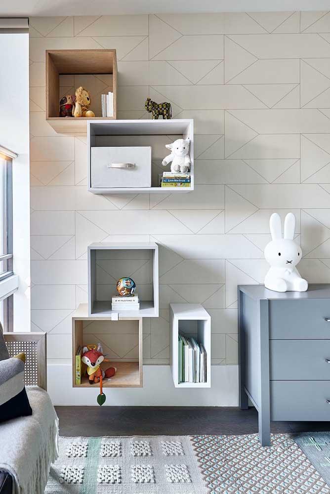 Composição criativa de nichos para o quarto de bebê masculino
