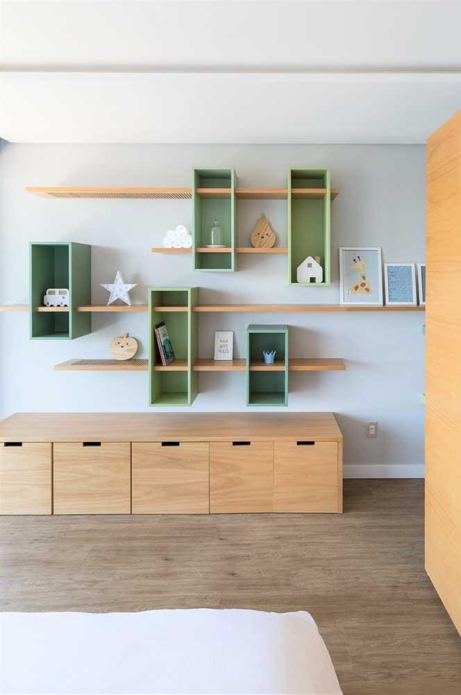 Olha que linda solução: nichos e prateleiras juntos!