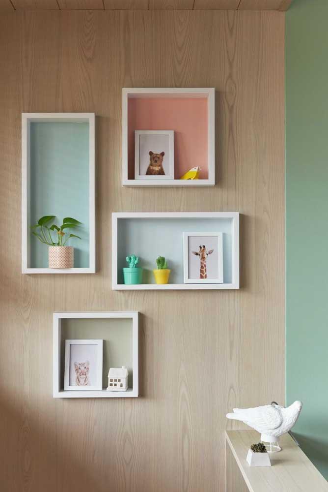 Para criar uma decoração suave, use cores na parte interna do nicho