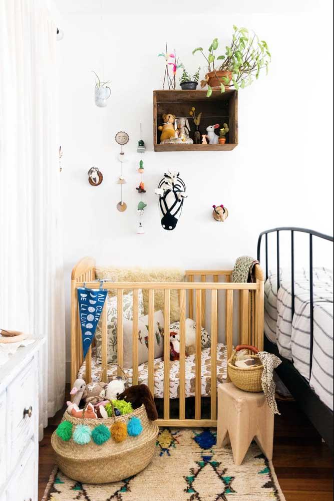 Nicho de madeira para o quarto de bebê rústico
