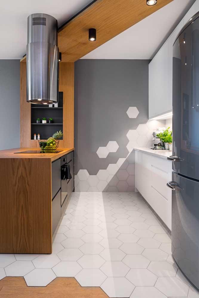 Na cozinha, são os revestimentos que abraçam essa nova tendência
