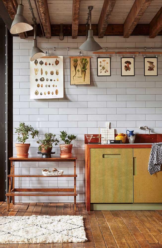 Cozinha retrô combina com o quê? Quadros vintage!