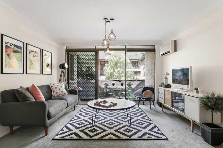 Decoração com quadros vintage na sala de estar: elegância e sofisticação