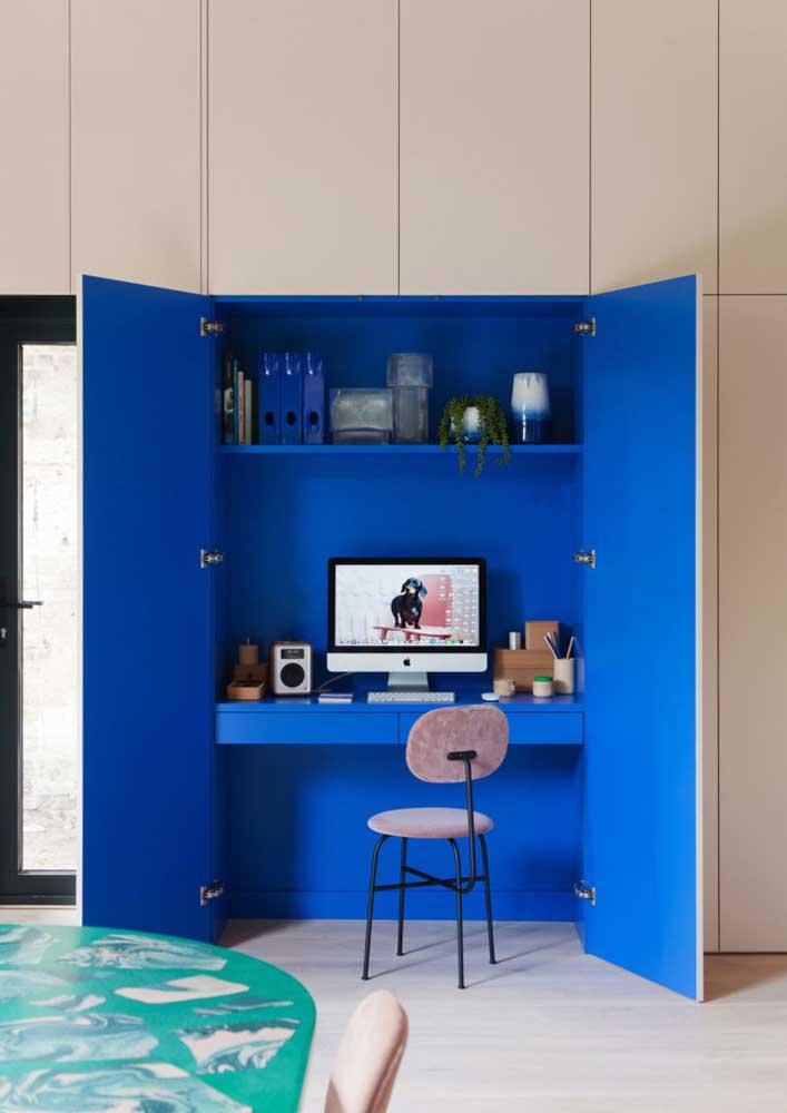 Solução para quem tem pouco espaço em casa, mas ainda assim precisa de um escritório