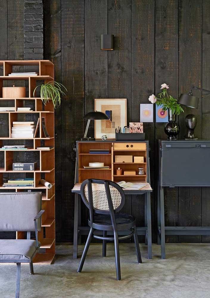 Escritório em casa com toque vintage rústico