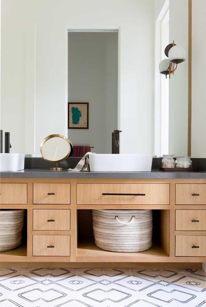 Piso para banheiro com estampa geométrica clean e elegante