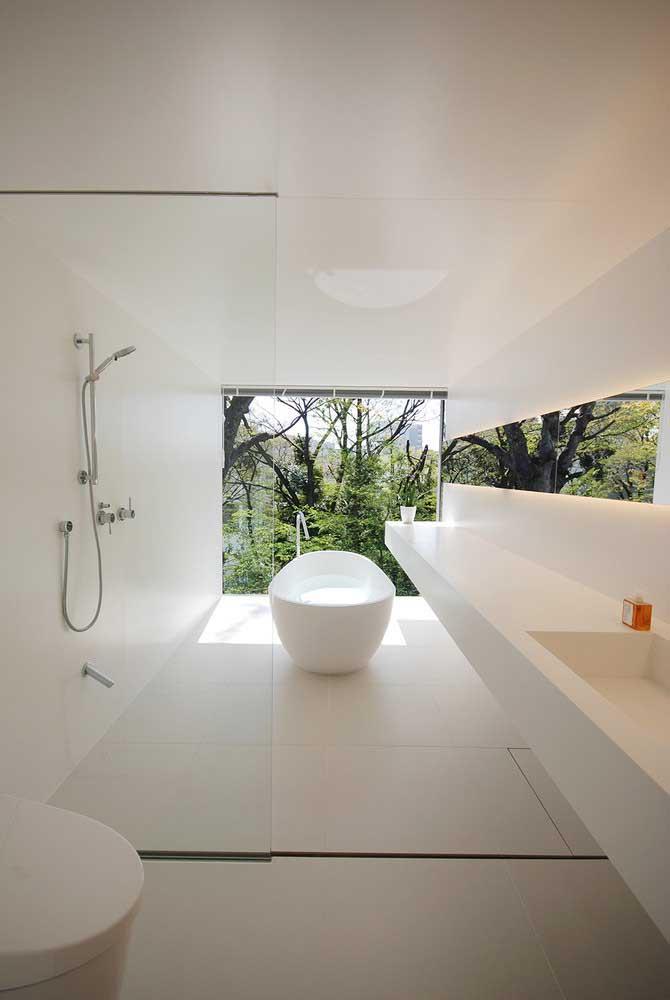 Piso para banheiro em tom de bege. Projeto clean e moderno