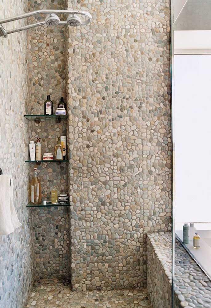 Piso de seixos para banheiro: opção econômica