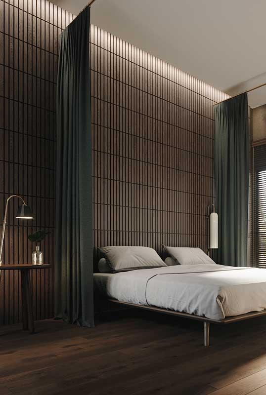 Aqui, para garantir um pouco mais de privacidade foram instaladas cortinas nas laterais da cama