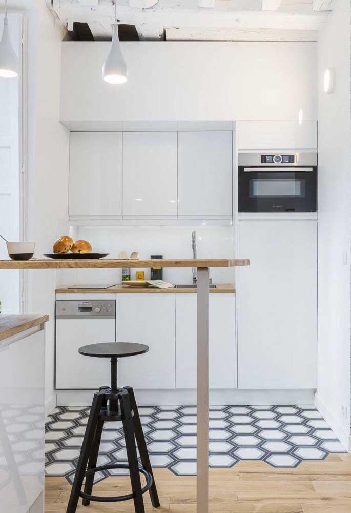 Na dúvida, aposte nos azulejos brancos para cozinha. Eles nunca falham!