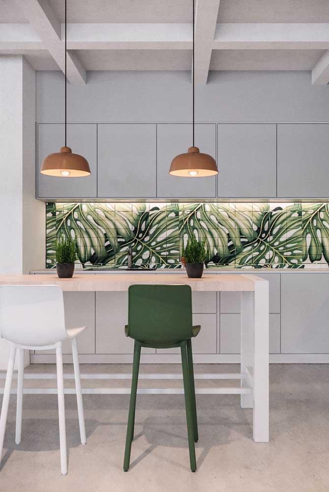 Inspiração botânica nos azulejos da cozinha