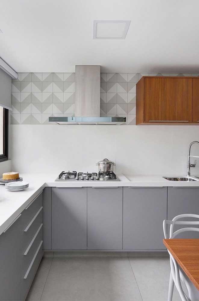 Azulejo branco e cinza na cozinha moderna