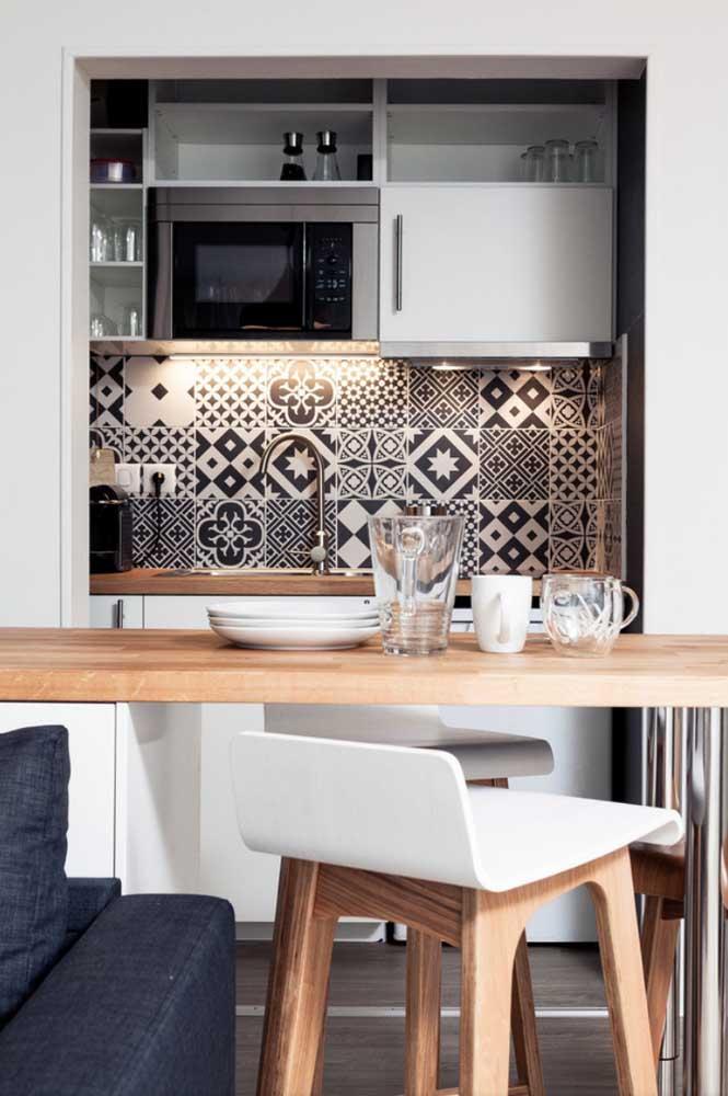Azulejo retrô para cozinha simples e pequena
