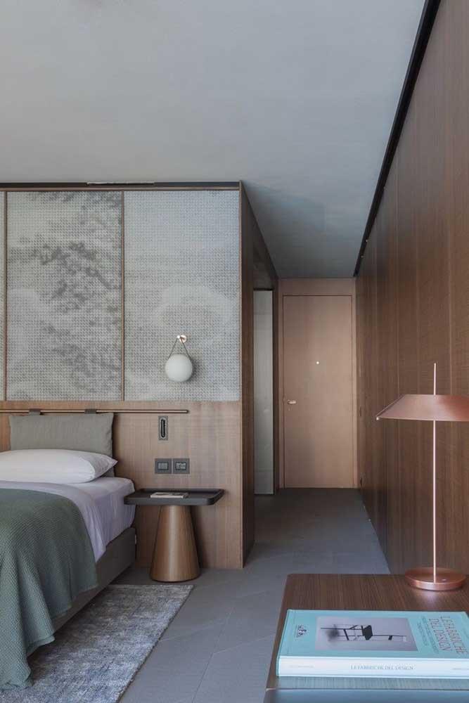 Casa moderna por dentro. Aqui, o destaque é o quarto do casal