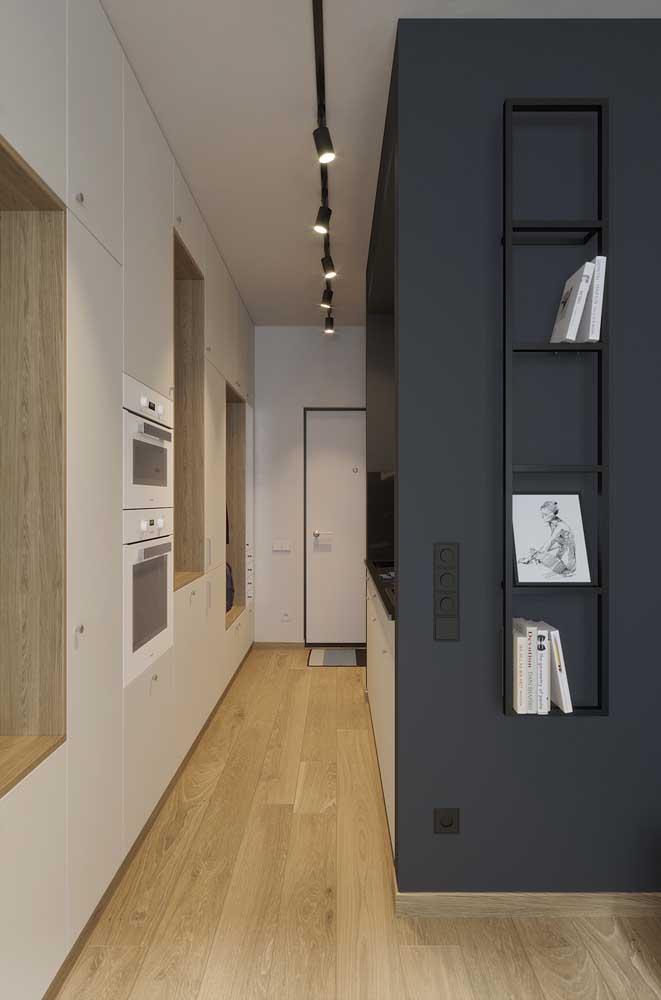 Cozinha estilo corredor: uma realidade nos apartamentos atuais e que pode ser resolvida com um projeto de móveis planejados