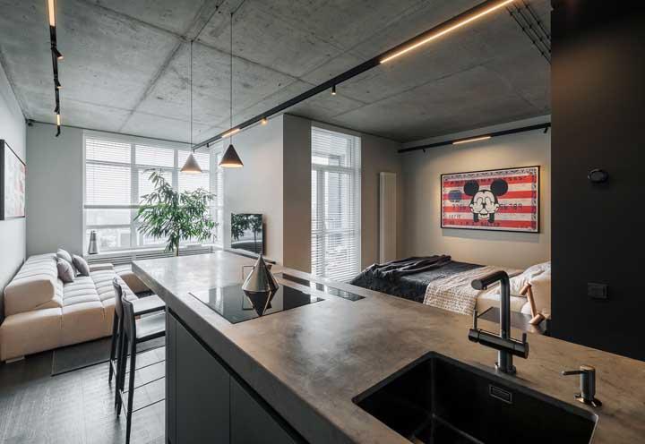 Cozinha planejada com bancada multifuncional