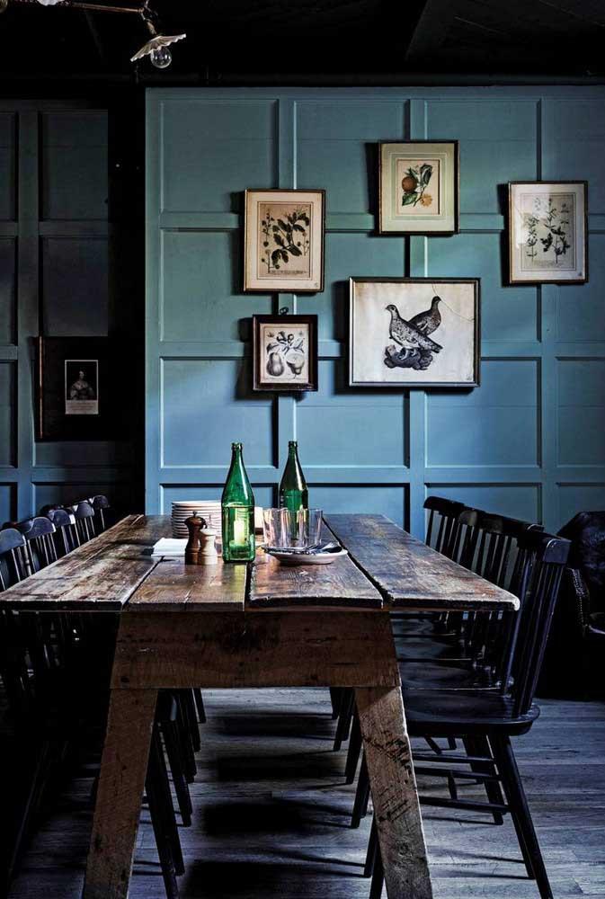 Que tal uma cozinha rústica azul?