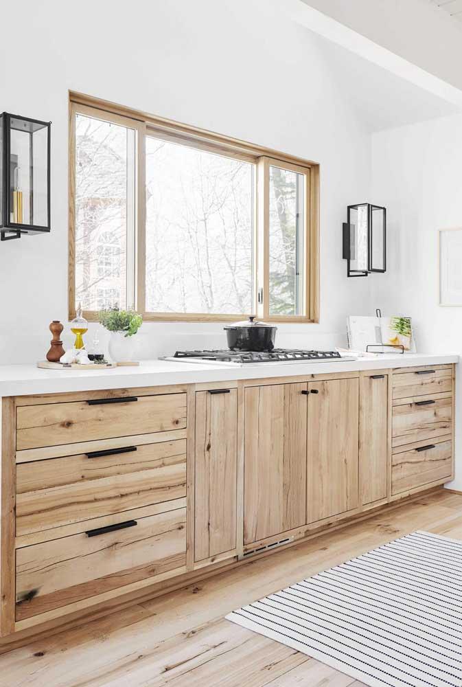 Bancada rústica de madeira para a cozinha clean