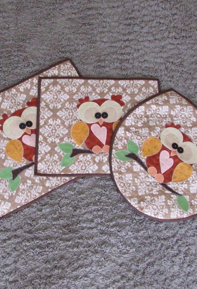 Jogo de banheiro de coruja feito em patchwork. Modelo fácil para você se inspirar e fazer também