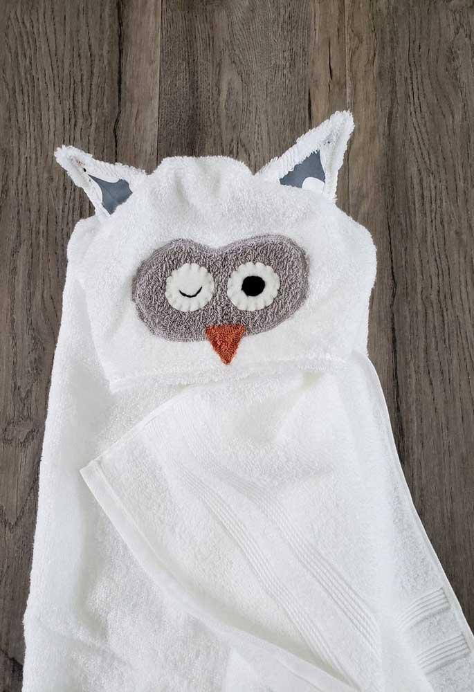 Toalha de banho infantil com capuz de coruja. Muita fofurice!