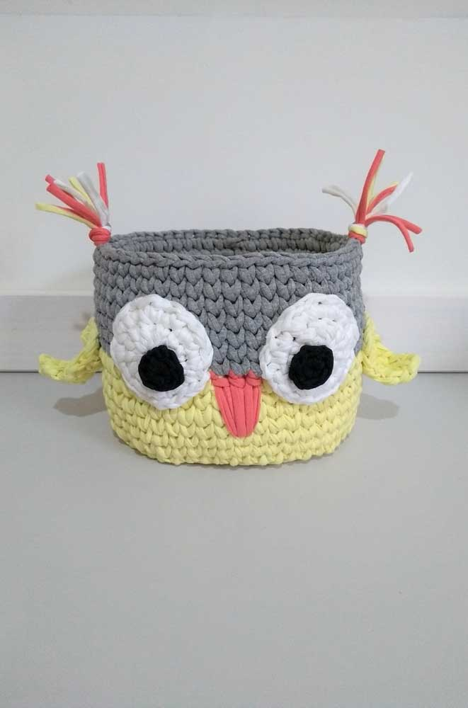 Olha que ideia mais fofa de cesto de coruja. Use para organizar os itens de higiene pessoal, por exemplo