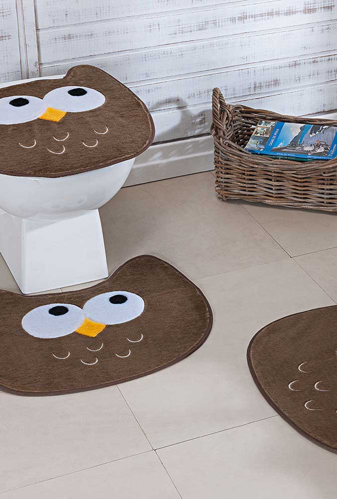 Jogo de banheiro de coruja marrom para dar um toque mais rústico ao ambiente